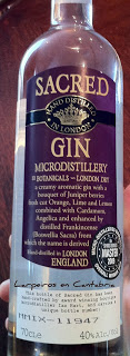 Gin Tonic de Sacred con su Botánico, relax y sabor.